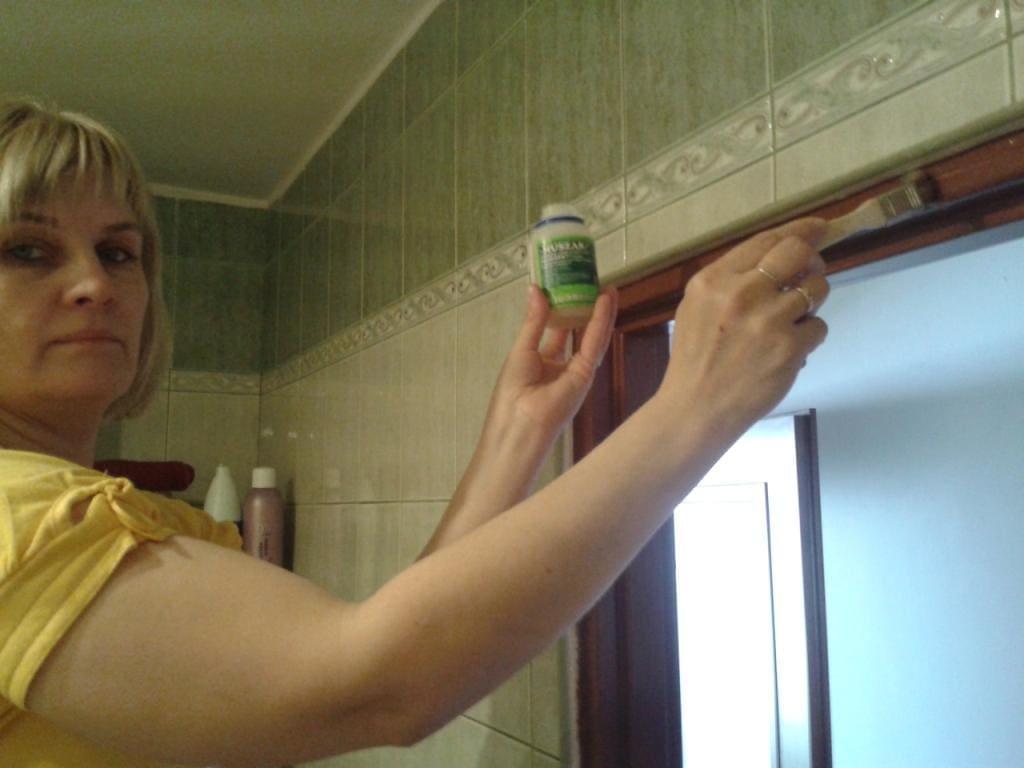 środek owadobójczy w łazience